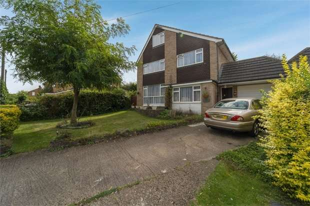 6 Bedrooms Detached House for sale in Lowlands Crescent, Great Kingshill, High Wycombe, Buckinghamshire