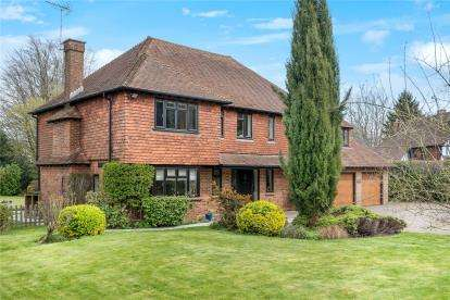 5 Bedrooms Detached House for sale in Church Road, Halstead, Sevenoaks, Kent