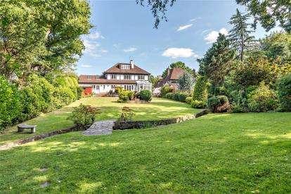5 Bedrooms Detached House for sale in Ninhams Wood, Keston Park, Kent