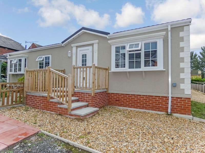 2 Bedrooms Park Home Mobile Home for sale in Orchard Park, Chester, Cheshire, CH2