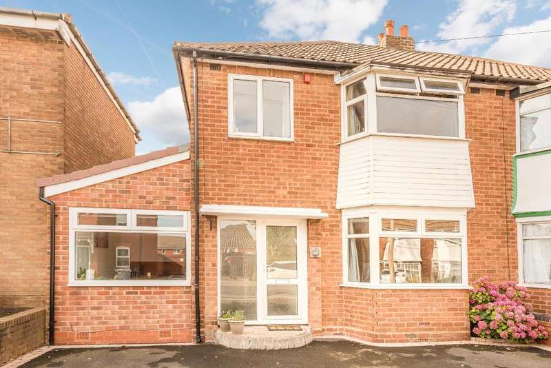 3 Bedrooms Semi Detached House for sale in Merrivale Road, Halesowen, Birmingham, West Midlands, B62 9RL