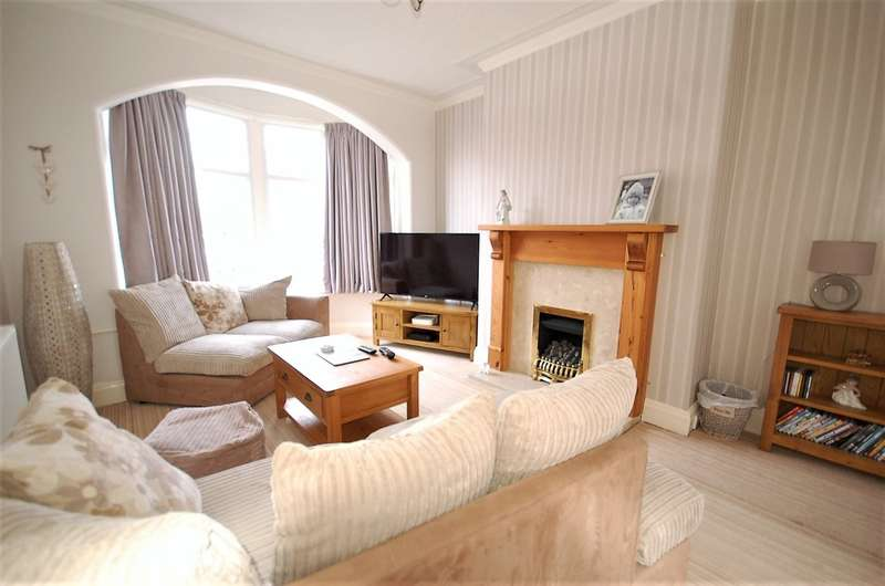 3 Bedrooms Terraced House for sale in Scarsdale Avenue, Blackpool