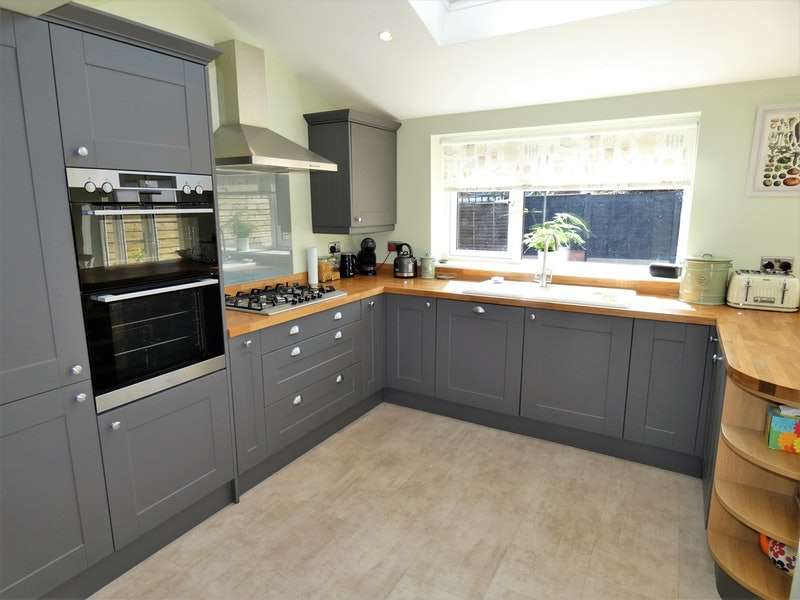 3 Bedrooms Semi Detached House for sale in Chiltern Close, Westminster Park, Cheshire, CH4