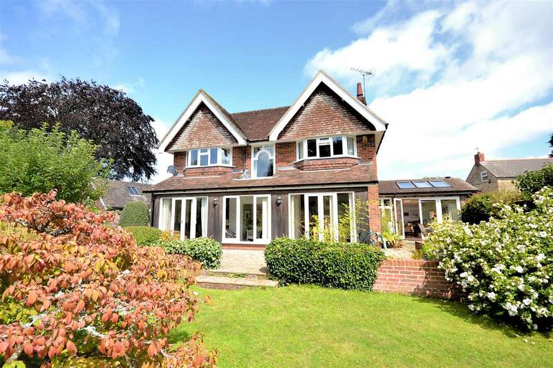 3 Bedrooms Detached House for sale in Whitcombe Road, Beaminster