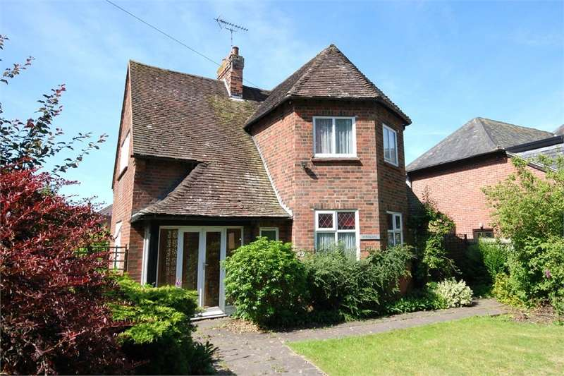 3 Bedrooms Detached House for sale in Hillmorton Road, RUGBY, Warwickshire