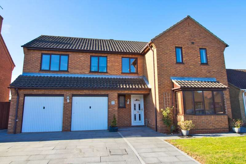4 Bedrooms House for sale in The Grove, Whittlesey, PE7