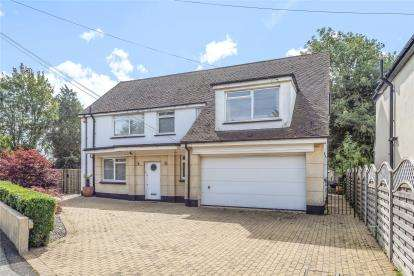 4 Bedrooms Detached House for sale in Leesons Hill, Chislehurst