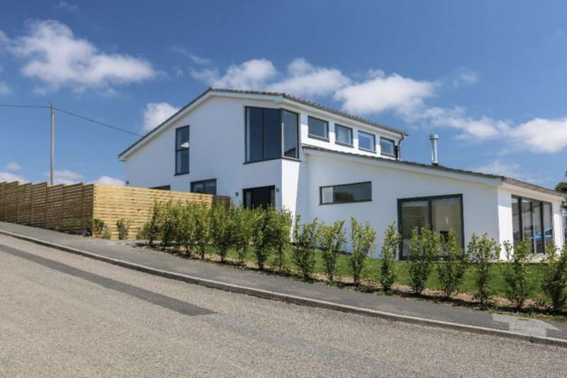 4 Bedrooms Detached House for sale in The Palm House, Gwel-an-Mor, Newquay, Cornwall TR8 4DW