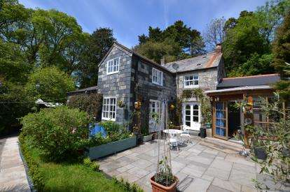 3 Bedrooms Detached House for sale in Praze, Camborne, Cornwall