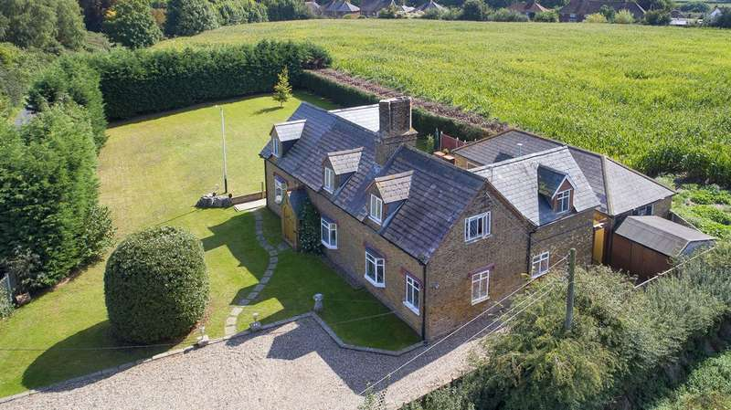 4 Bedrooms Detached House for sale in Molland Lane, Ash, Canterbury