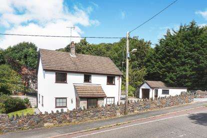 4 Bedrooms Detached House for sale in Holywell Road, Rhuallt, St Asaph, Denbighshire, LL17
