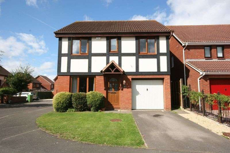 4 Bedrooms Detached House for sale in Grierson Close, Hucclecote, Gloucester