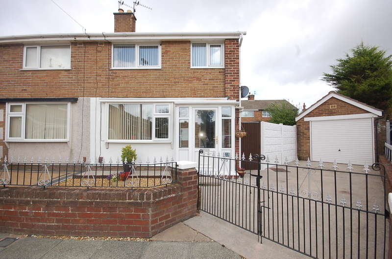 3 Bedrooms Semi Detached House for sale in Hurstmere Avenue, Blackpool