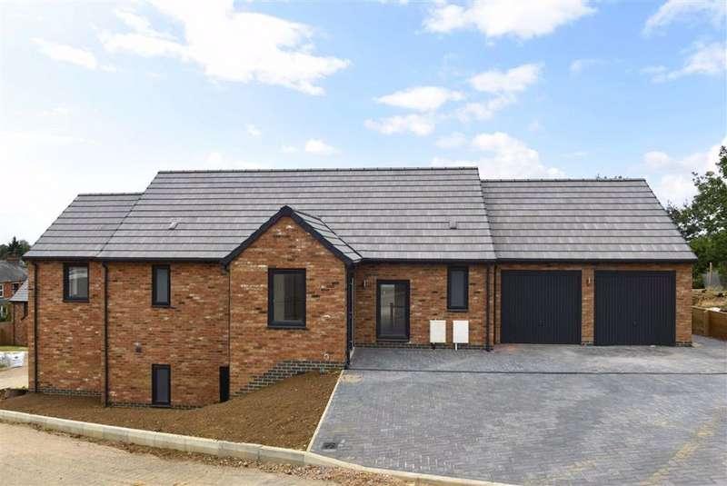 4 Bedrooms Detached House for sale in Harbidges Lane