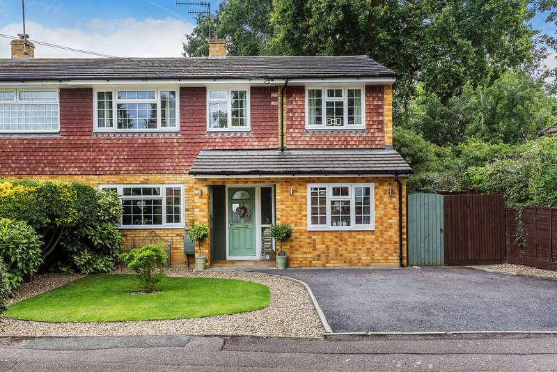 4 Bedrooms Semi Detached House for sale in Ridge Way, Edenbridge, TN8