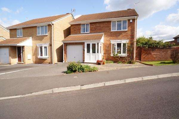 4 Bedrooms House for sale in Field View Drive, Downend, Bristol, BS16 2TT