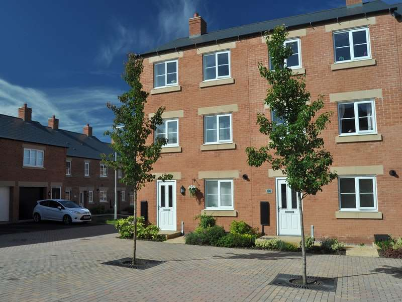 3 Bedrooms Town House for sale in Geneva Way, Biddulph, Staffordshire, ST8