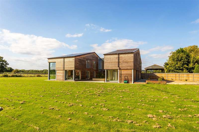 5 Bedrooms Detached House for sale in Tilburstow Hill Road, South Godstone, Godstone, Surrey, RH9