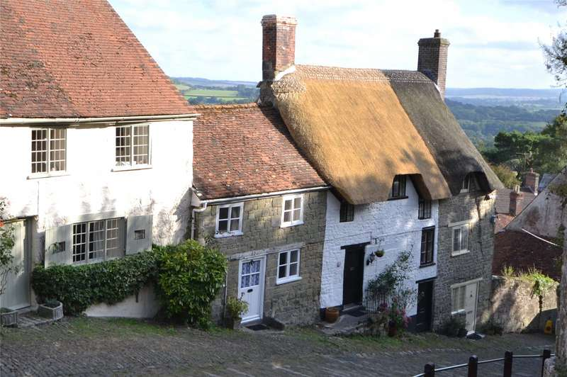 3 Bedrooms Terraced House for sale in Gold Hill, Shaftesbury, Dorset, SP7