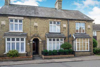 3 Bedrooms Terraced House for sale in Chatteris, Ely, Cambridgeshire