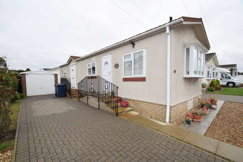 2 Bedrooms Mobile Home for sale in The Firs, Rushbrooke Lane, Bury St. Edmunds