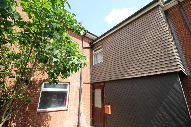 2 Bedrooms Flat for sale in Queen Street, Balby, DN4
