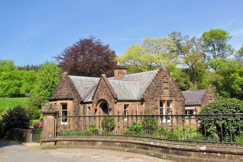 2 Bedrooms Detached House for sale in Newtonairds, Dumfries, Dumfries & Galloway, DG2