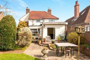 3 Bedrooms Detached House for sale in Lower Dicker, Hailsham, East Sussex