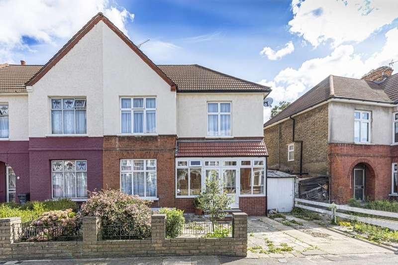 3 Bedrooms Property for sale in Gartmore Road, Seven Kings, IG3