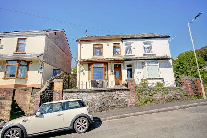 2 Bedrooms Property for sale in Wern Street, Tonypandy