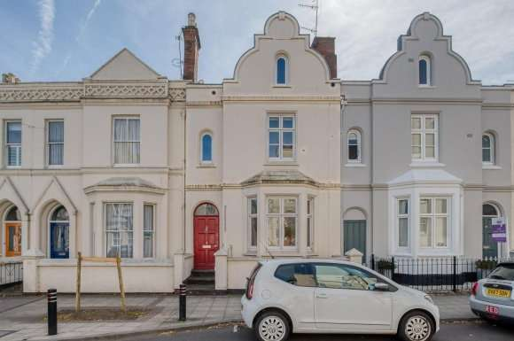 3 Bedrooms Property for sale in Clarendon Avenue, Leamington Spa