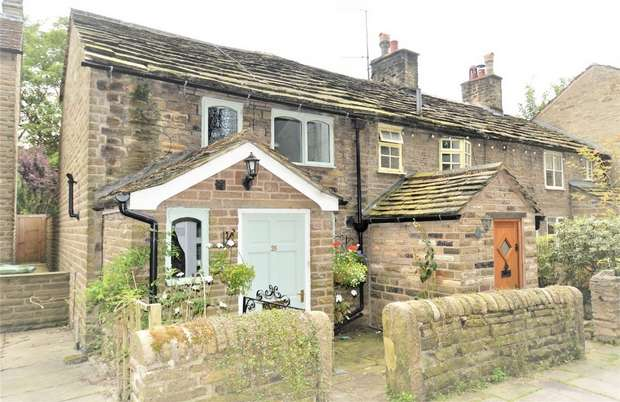 2 Bedrooms Cottage House for sale in Queen Street, Bollington, Macclesfield, Cheshire