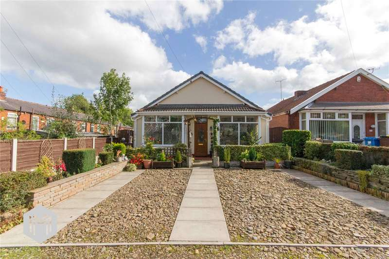 3 Bedrooms Detached Bungalow for sale in Wentworth Avenue, Bury, Greater Manchester, BL8