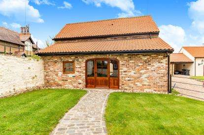 2 Bedrooms Barn Conversion Character Property for sale in Blackwell, Darlington, Co Durham, .
