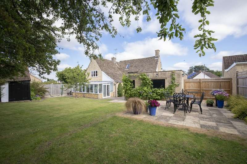 4 Bedrooms Detached House for sale in Noverton Lane, Cheltenham GL52 5DD