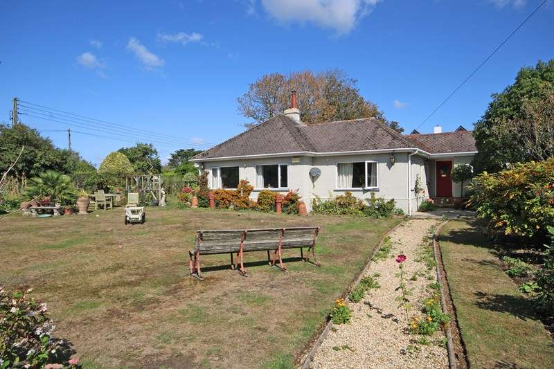3 Bedrooms Detached Bungalow for sale in Barton Common Road, New Milton