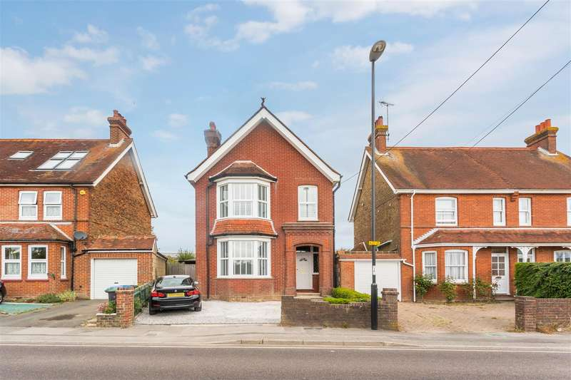 3 Bedrooms Detached House for sale in Royal George Road, Burgess Hill
