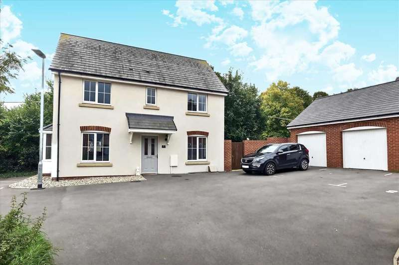 3 Bedrooms Detached House for sale in Dowse Close, Tidworth