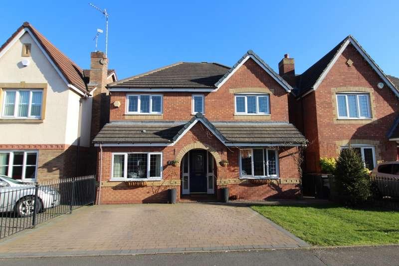 4 Bedrooms Detached House for sale in Hatters Court, Bedworth, Warwickshire, CV12