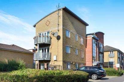1 Bedroom Flat for sale in Oldham Rise, Medbourne, Milton Keynes, Bucks