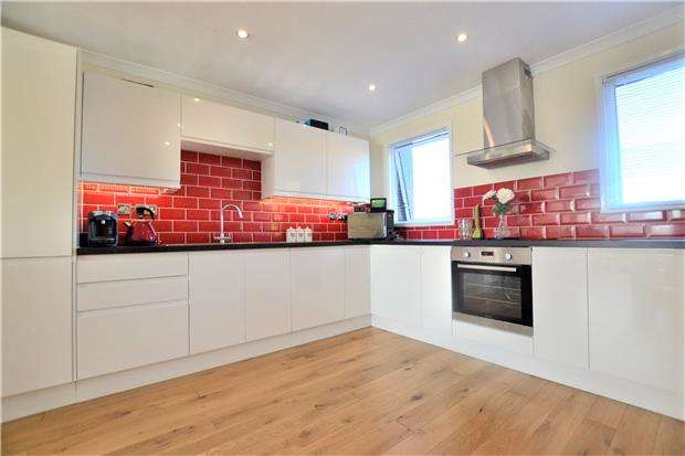 3 Bedrooms Terraced House for sale in Insley Gardens, GL3 3AU