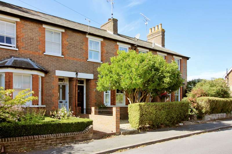 3 Bedrooms Terraced House for sale in Miswell Lane, Tring