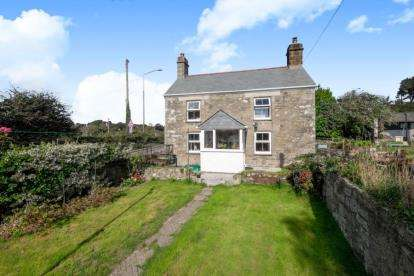 2 Bedrooms Detached House for sale in Helston, Cornwall
