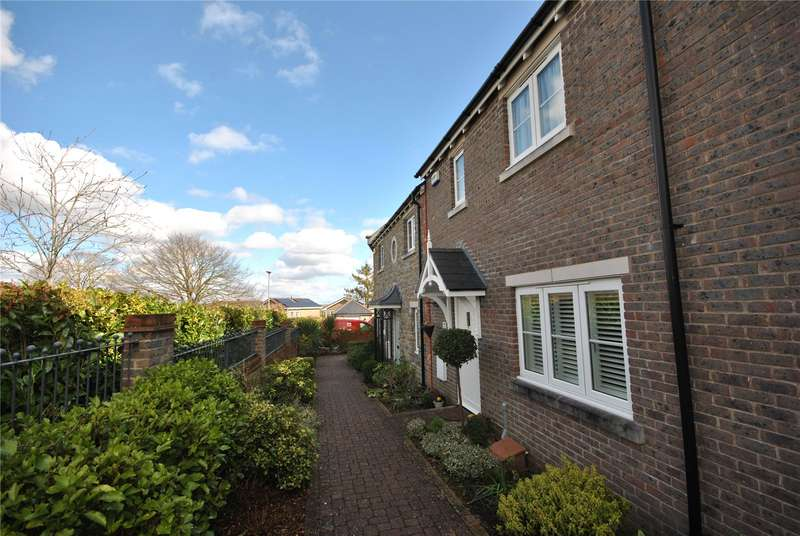 3 Bedrooms Terraced House for sale in Stapleford Court, Stalbridge, Sturminster Newton, Dorset, DT10