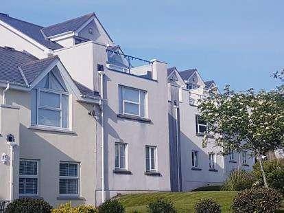 4 Bedrooms Terraced House for sale in Ffordd Heulyn, Y Felinheli, Menai Marina, Gwynedd, LL56