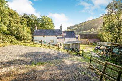 4 Bedrooms Detached House for sale in Cyffylliog, Ruthin, Denbighshire, North Wales, LL15