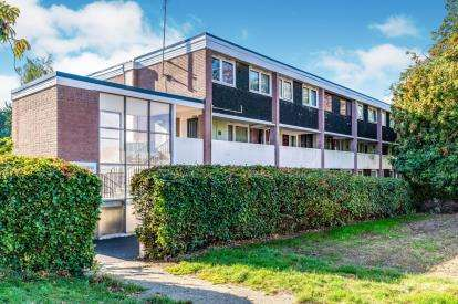 3 Bedrooms Maisonette Flat for sale in Broadwater Road, Romsey, Hampshire