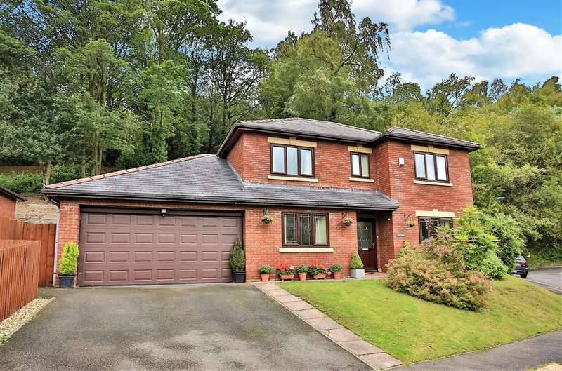 4 Bedrooms Detached House for sale in Snatchwood View, Pontnewynydd, Pontypool