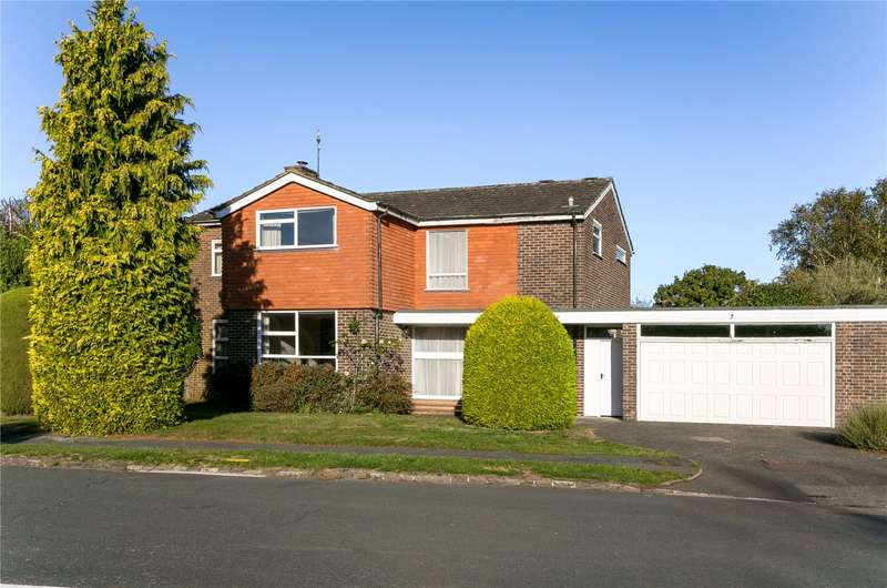 5 Bedrooms Detached House for sale in Seagrave Road, Beaconsfield, Buckinghamshire, HP9