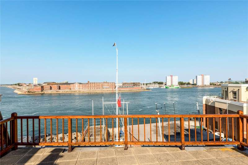 4 Bedrooms Terraced House for sale in Tower Street, Portsmouth, Hampshire, PO1